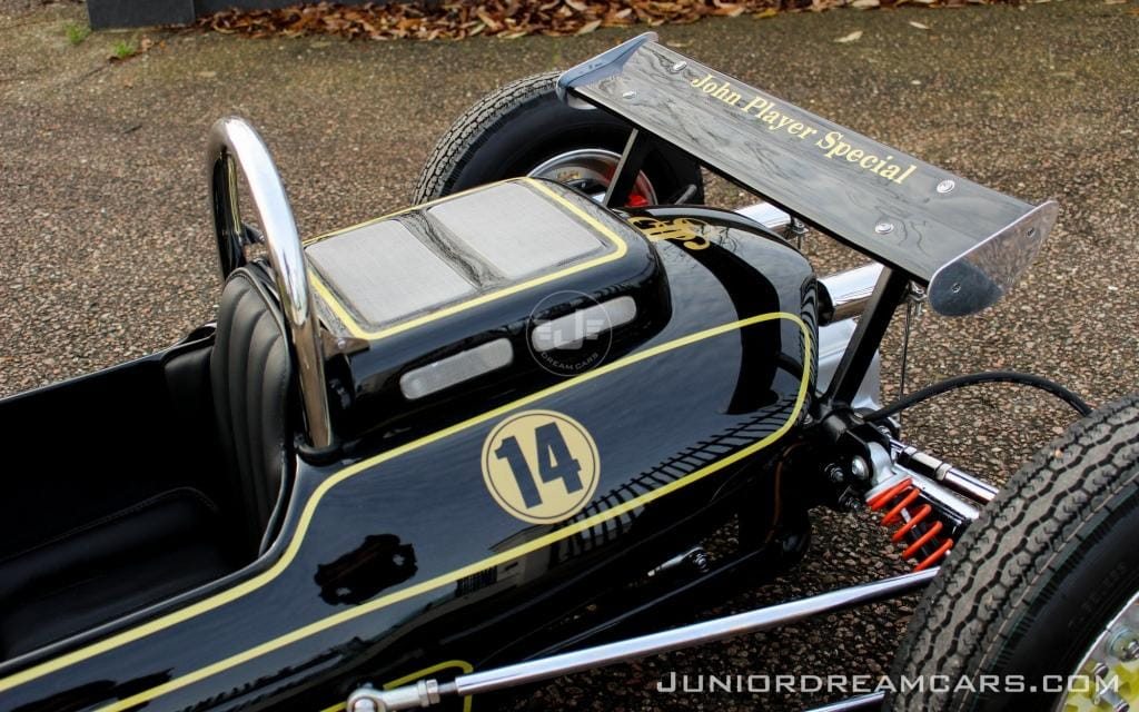 F1 type 49 John Player Special